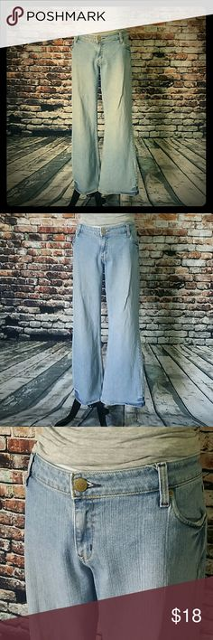 Selling this Levi's Light Wash Jeans in my Poshmark closet! My username is: thelbdboutique1. #shopmycloset #poshmark #fashion #shopping #style #forsale #Levi's #Denim
