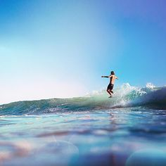 Ultraviolet tip time with tribesman Caelan Burford. San Onofre, CA. Photo by Shawn Parkin. #hippytreetribe #surfandstone