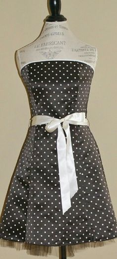 Jessica McClintock polka dot strapless dress Brown and ivory, poly, boning in bodice, lined, back zip, tie belt, tulle that peeks out under the hem, size 9/10, EUC Jessica McClintock Dresses Strapless