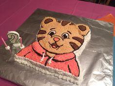 Daniel Tiger birthday cake Daniel Tiger Birthday Cake, Daniel Tiger Cake, Daniel Tiger Party, Thomas The Train Birthday Party, 4th Birthday Parties, Birthday Fun, Birthday Ideas, Birthday Celebrations, Making Ideas