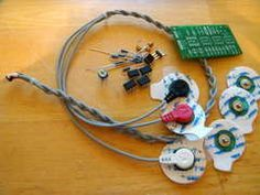 DIY Muscle Sensor / EMG Circuit for a Microcontroller. his instructable will teach you how to make your own muscle sensor / EMG circuit to incorporate into your next project. Use it to control video games, robot arms, exoskeletons. via Gundanium (June 2011) #medical #sensor