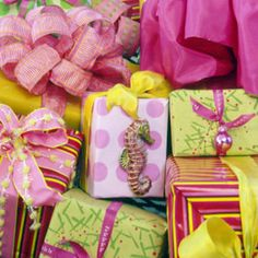 Tropical Gift wrapping for Christmas.