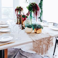 For pink and gold fall dining inspo, check out our Friendsgiving party on the blog 😊   @liketoknow.it #liketkit http://liketk.it/2pJuU