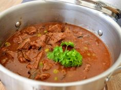 Hovädzie mäso z tlakového hrnca (fotorecept) - recept Wok, Beef, Ethnic Recipes, Craft, Meat, Creative Crafts, Crafting, Handmade, Do It Yourself