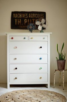 Try This Mismatched Dresser Knobs For The Home Dresser Knobs regarding dimensions 800 X 1208 Bedroom Furniture Dresser Handles - Dressers are furniture Kids Dressers, Bedroom Dressers, Bedroom Furniture, Home Furniture, Furniture Design, Dresser Drawer Handles, Dresser Knobs And Pulls, Dresser As Nightstand, Diy Drawers