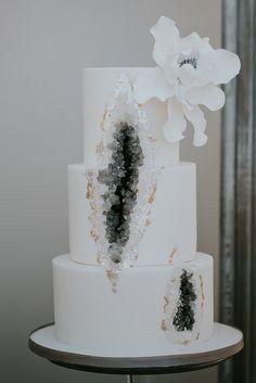 wedding cakes winter Geode Wedding Cake - Luxury Silver and Grey Winter Wedding Styling Luxury Wedding Cake, Purple Wedding Cakes, Elegant Wedding Cakes, Elegant Cakes, Beautiful Wedding Cakes, Gorgeous Cakes, Wedding Cake Designs, Wedding Cake Toppers, Elegant Cake Design