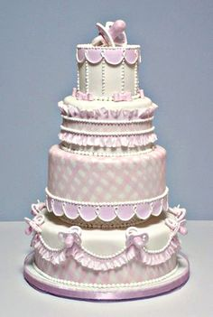 Bobette and Belle cakes - I like the individual elements of this cake. It'd be nice on a smaller scale! Fancy Cakes, Cute Cakes, Pretty Cakes, Gorgeous Cakes, Amazing Cakes, Custom Birthday Cakes, Occasion Cakes, Macaron, Love Cake