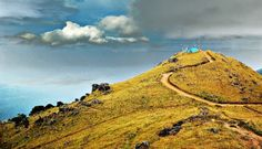 Another hill station that should be in the priority section of your travel list. Ponmudi (translates to the Golden Hill) is located 55.2 km north-east of Trivandrum at an altitude of 1100 mts or 3600 ft. Ponmudi has a carpet of thick tropical forest that rolls down to the foot of the hill range.