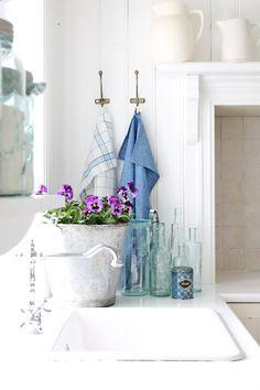 🌟Tante S!fr@ loves this📌🌟 Decor, Interior Decorating, Interior, Cozy House, Country Decor, Cottage Inspiration, Home Decor, Home Deco, Home Kitchens