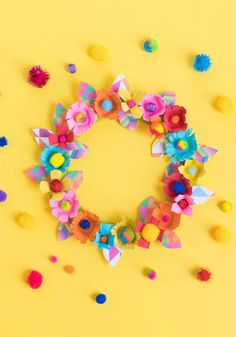 Creative Mother's Day Crafts for Kids Ideas. Unique Creative Mother's Day Crafts for Kids Ideas. Diy Mother S Day Gifts for Kids to Make that Mom Will Love Mothers Day Wreath, Mothers Day Crafts For Kids, Diy For Kids, Crafts To Do, Kids Crafts, Craft Projects, Easter Crafts, Sewing Projects, Egg Carton Crafts