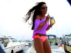 ...so I can look like that this summer.... and be drinking a Del's Lemonade too!