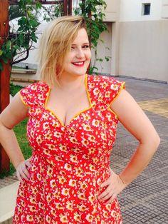 Blog Mulherão - Look do Dia: Vestido evasê estampado. Por Renata Poskus Vaz. Vestido pin up plus size 2
