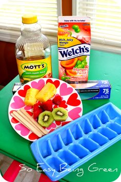 Homemade Popsicles / Fruit Pops for the Hot Summer Time Snack for your kids! Easy and healthy alternative to sugar and they can DIY them with fresh fruit!
