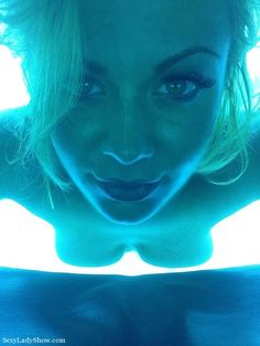 We love this tanning pic of @MsKavallari & those eyes could entice anyone! See her on cam daily at Sexyladyshowlive.com