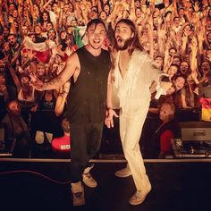 """Me + Shannon in #Corsica, #France last week #LoveLustFaithDreamsTour"" - Jared´s Instagram"
