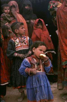 Afghanistan | Kuchi nomad children.  1978-1979. | © Peter Ward
