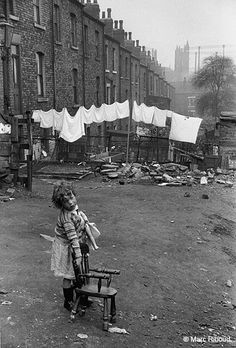 Leeds, England, 1954 by Marc Riboud From Marc Riboud- 50 Years of Photography. Marc Riboud, Old Pictures, Old Photos, Vintage Photographs, Vintage Photos, French Photographers, Old London, Slums, British History