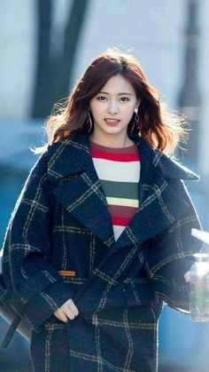 ♡ [ Official Thread of Chou Tzuyu ] NEW OP incoming! ⇀ Poll updated ⇀ The Most Beautiful Face of 2019 ヽ(♡‿♡)ノ Nayeon, Kpop Girl Groups, Korean Girl Groups, Kpop Girls, Korean Beauty, Asian Beauty, Chou Tzu Yu, Tzuyu Twice, Fandoms