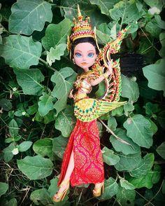 """ถูกใจ 267 คน, ความคิดเห็น 8 รายการ - ShackTG✈️followed byMH & EAH (@pittinant) บน Instagram: """"Thai Kinnari ....in the forest !!! Beautiful dress from @baipoomew """""""