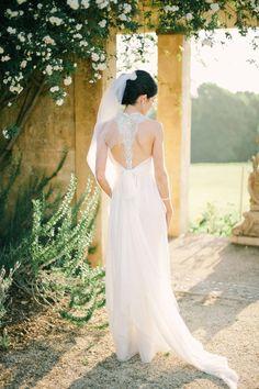 Anna Campbell bride in the Elizabeth dress www.annacampbell.com.au