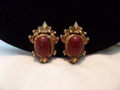 Gold Jhumka Earrings, Jewelry Design Earrings, Gold Earrings Designs, Gold Jewellery Design, Rose Gold Earrings, Heart Earrings, Stud Earrings, Gold Necklace, Fancy Jewellery