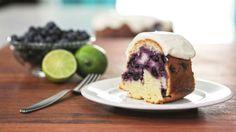 Gâteau « Bundt » aux bleuets, à la lime et au gingembre - Recettes de cuisine, trucs et conseils - Canal Vie