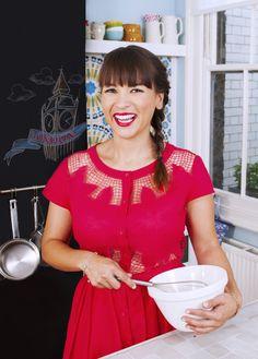 Watch Rachel khoo's The Little Paris Kitchen or go visit her website. She's the cutest and her Quiche Lorain recipe is aaaawsome! Paris Kitchen, Kitchen Decor, Kitchen Design, Chefs, Rachel Khoo, Little Paris, Estilo Fashion, Estilo Retro, Domestic Goddess