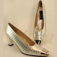 Silver lace dress spiegel
