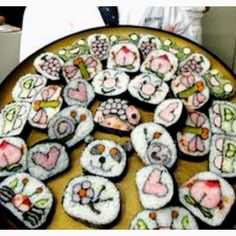 """Now that's some serious """"way too much time on my hands"""" type of Japanese sushi rolls..."""