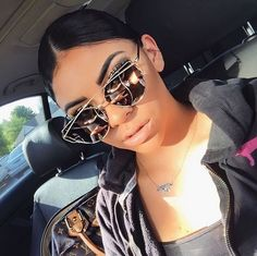 WEBSTA @ amberroseoatman - the sun finally came out 🙌🏾 sunglasses- 😎 Cat Eye Sunglasses, Mirrored Sunglasses, Sunglasses Women, Dior Sunglasses, Lunette Style, Jewelry Accessories, Fashion Accessories, Shady Lady, Cute Glasses