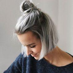 Die 18 Besten Bilder Von Kurze Graue Frisuren Grey Hair Hairstyle