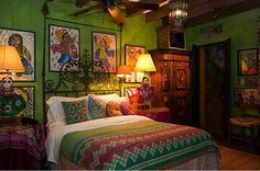 Nice shade of green - - festive Mexican bedroom - Hyder House San Miguel de Allende Mexican Bedroom, Mexican Home Decor, Style At Home, Sweet Home, Mexico House, Mexican Style, Mexican Colors, Southwest Decor, Hacienda Style