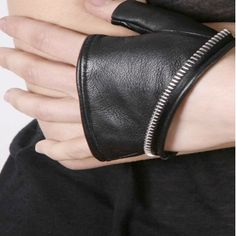 Cropped Fingerless Leather Zipper Trim Glove