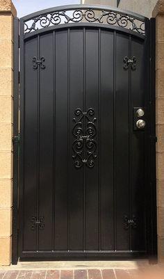 Wrought Iron Gate Designs, Wrought Iron Garden Gates, Rod Iron Fences, Fencing, Backyard Gates, Gates And Railings, Door Gate Design, Entry Gates, Iron Doors