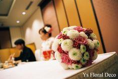 涼しげな白引きにあわせるラウンドブーケ ys floral deco @神田明神