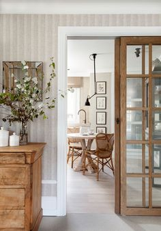 〚 Warm accents in design of pleasant bright apartment in Spain 〛 ◾ Photos ◾ Ideas ◾ Design #interiordesign #Homedecor #Ideas #tips #Inspiration #cozy #Living #style #space #interior #decor #Home Interior Desing, China Cabinet, Divider, Storage, Instagram, Room, Furniture, Design, Interiors