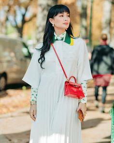 Repost from Paris Fashion Week : Autumn stroll Heart Evangelista, 2020 Design, Hello Everyone, Daily Fashion, Paris Fashion, Lacoste, Classy, Autumn, Instagram