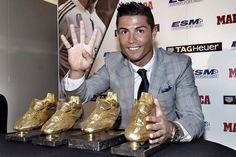 """Cristiano Ronaldo e la sua quarta Scarpa d'oro: """"Punto alla quinta e alla sesta"""" - http://www.maidirecalcio.com/2015/10/13/cristiano-ronaldo-e-la-sua-quarta-scarpa-doro-punto-alla-quinta-e-alla-sesta.html"""