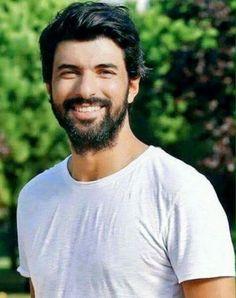 Kara Para Ask - Prljavi novac i ljubav Handsome Faces, Turkish Actors, Best Actor, Best Tv, Sexy Men, Cool Photos, Writer, My Love, Instagram