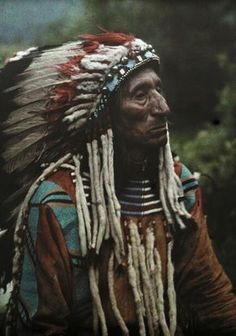 lostincape-town:  nativethoughts:  Flathead Chief.  ❂