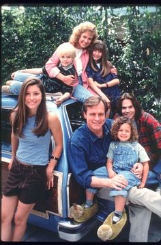 7th Heaven first episode! Look how young they all were when they started out! :) Best family ever! Wish I could have been a part of it lol