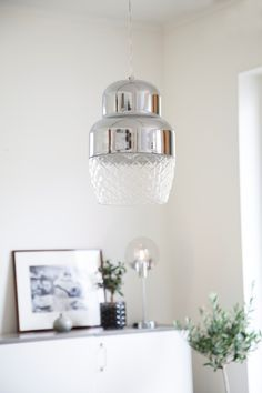 Contemporary chrome metal pendant lamp with a glass shade in a livingroom Colon Scandinavian Lighting, Traditional Lamps, Pendant Lamp, Contemporary, Modern, Glass Shades, Clear Glass, Floor Lamp, Chrome