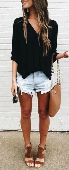 40 Cool Ways To Wear Denim Shorts For A Stylish Summer #short_style_trends