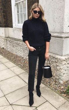 All black outfit for work - Fashion Inspo - Damenmode All Black Outfit For Work, Jeans Outfit For Work, All Black Style, Work Fashion, Trendy Fashion, Winter Fashion, Womens Fashion, All Black Fashion, 1960s Fashion