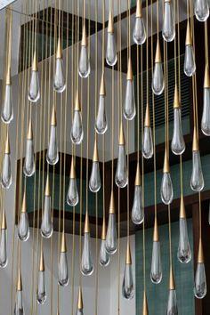 Aydınlatma ve Dekor Dünyasından Gelişmeler: Design Haus Liberty'den The Pour Avize #aydinlatma #lighting #design #tasarim #dekor #decor