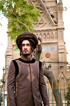 In this post, we will represent latest and exclusive sherwani collection 2013 by Thara for men. This sherwani collection 2013 is perfect designed for groom wear. Summer Wedding Suits, Wedding Dresses 2014, Wedding Dress Styles, Groom Wedding Dress, Groom Dress, Groom Wear, Sherwani, Indian Ethnic, Pakistani Dresses