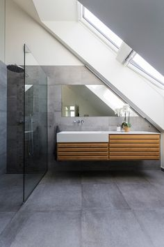 Home Decor Inspiration : Modern bathroom with large concrete tiles on the floor and walls. Loft Bathroom, Bathroom Interior, Modern Bathroom, Bathroom Shelves, Bathroom Storage, Bathroom Tile Designs, Bathroom Floor Tiles, Bathroom Ideas, Cement Bathroom