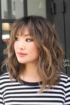 Short layered haircuts with bangs 2018 - New Hair Styles ideas Haircuts For Medium Hair, Medium Hair Cuts, Hairstyles With Bangs, Short Hair Cuts, Medium Hair Styles, Curly Hair Styles, Cool Hairstyles, Hairstyles 2018, Men's Hairstyle