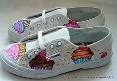 #dal #designartsforllife #diegoalcensolemos #tennis #customization #cupcakes #handmade #painting #shoes #snickers $150