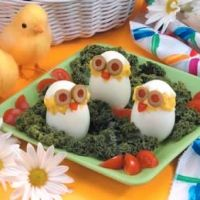 Cute.Tasty.Healthy. (= Deviled eggs that look like baby chicks . =]